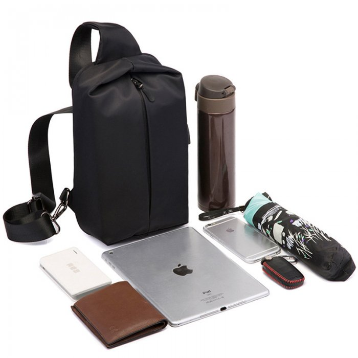 2020-new-fashion-waterproof-chest-bag-with-USB-SCB003-1