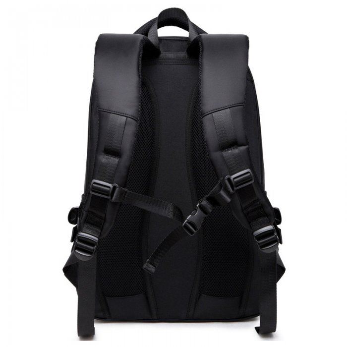 Mens-business-laptop-backpack-with-USB-SBP060-4