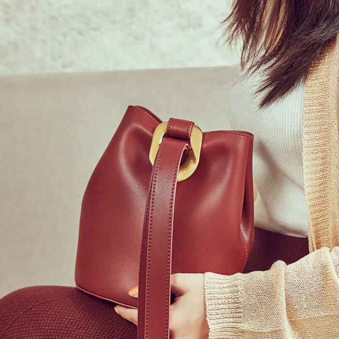 Cattlehide-real-leather-bucket-handbag-wholesale-CHB083-1