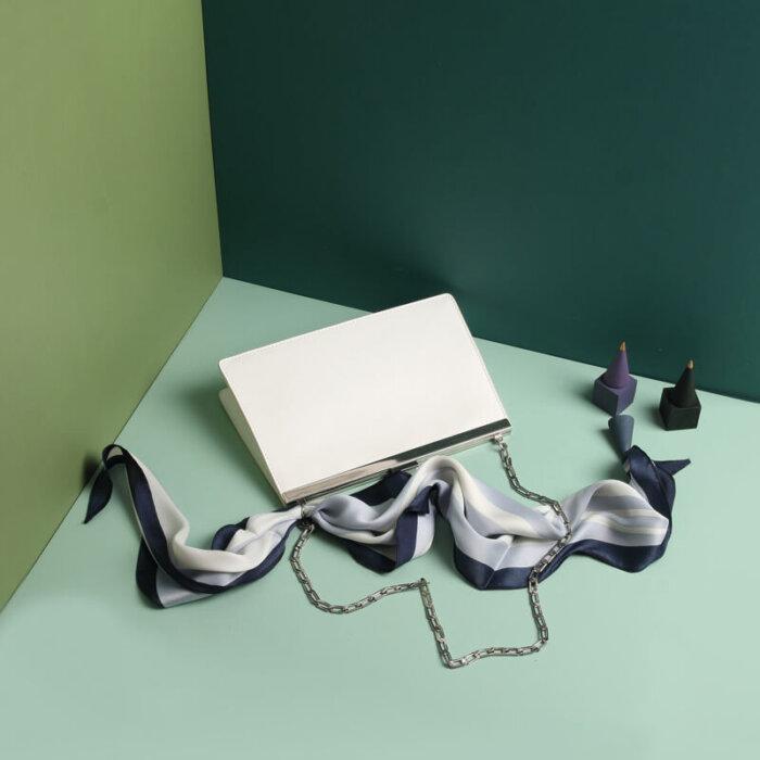 Cowhide-handbag-wholesale-from-Luisway-CHB043-2