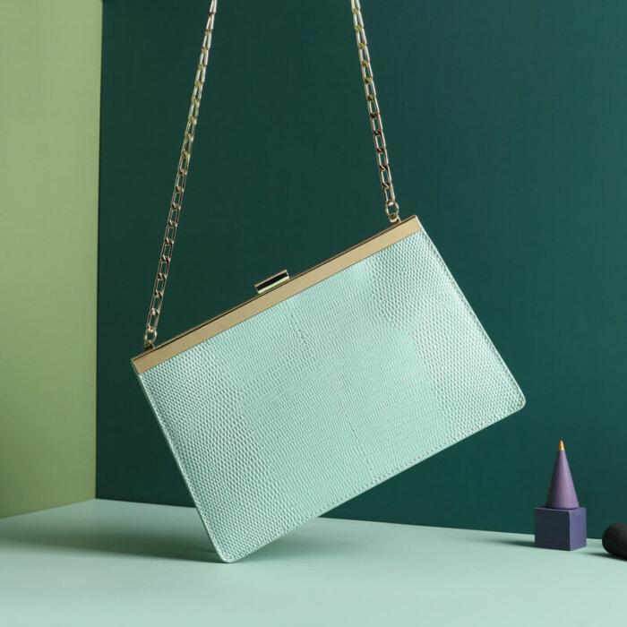 Cowhide-handbag-wholesale-from-Luisway-CHB043-4