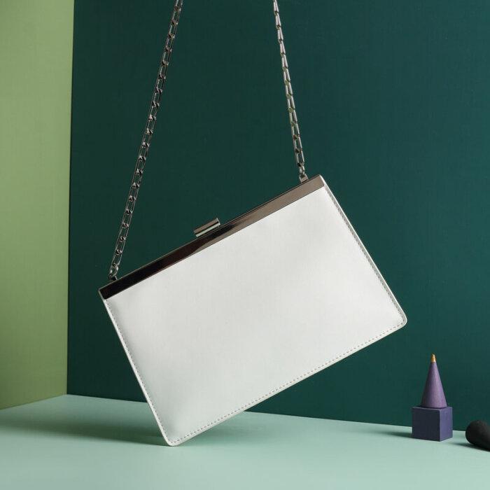 Cowhide-handbag-wholesale-from-Luisway-CHB043-5