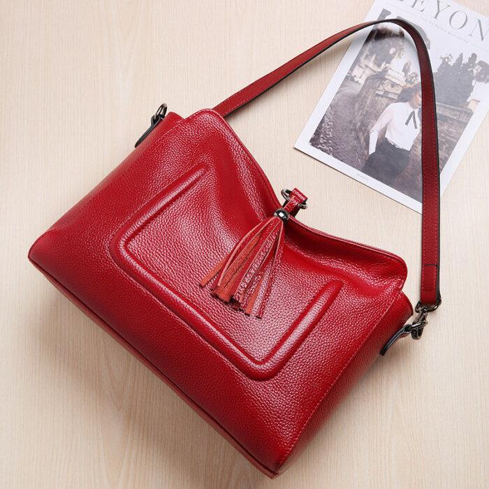 Custom-fashion-genuine-leather-handbag-with-tassels-CHB074-2