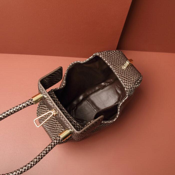 Custom-high-quality-genuine-handbag-CHB036-4