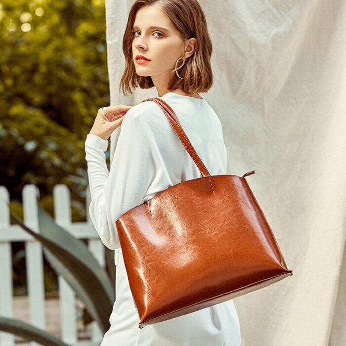 Custom-oil-waxed-cowhide-tote-handbag-CHB082-1