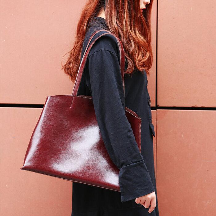 Custom-oil-waxed-cowhide-tote-handbag-CHB082-3