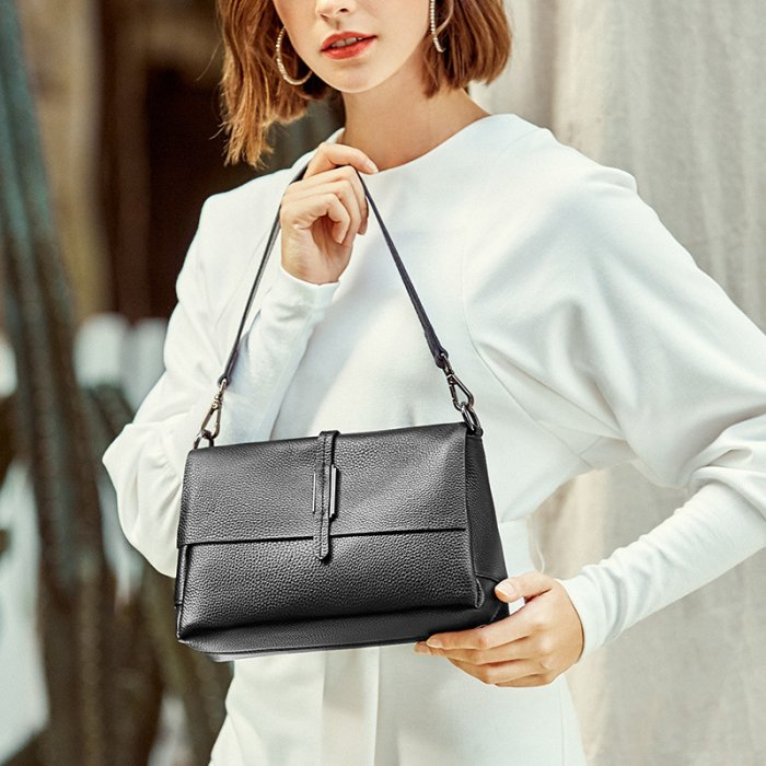Europe-brand-new-cowhide-little-handbag-CHB084-3
