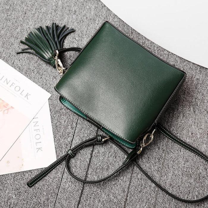 Europe-hot-sale-genuine-leather-crossbody-lady-handbag-CHB076-1