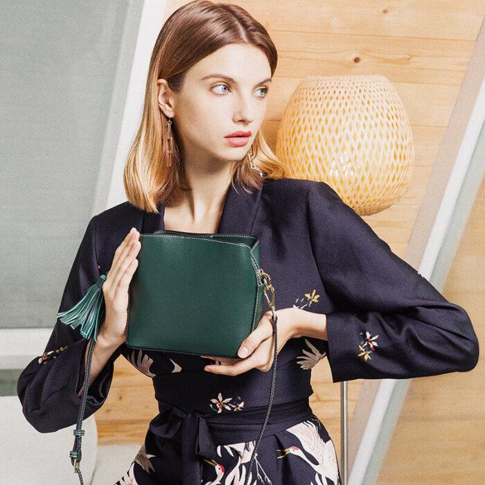 Europe-hot-sale-genuine-leather-crossbody-lady-handbag-CHB076-2