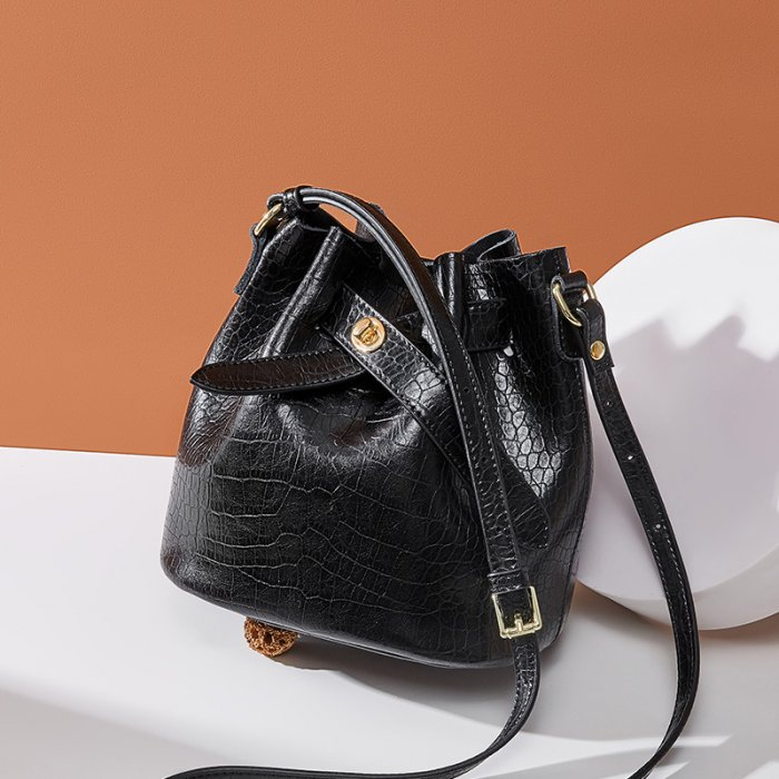 New-alligator-print-cowhide-bucket-handbag-CHB088-4