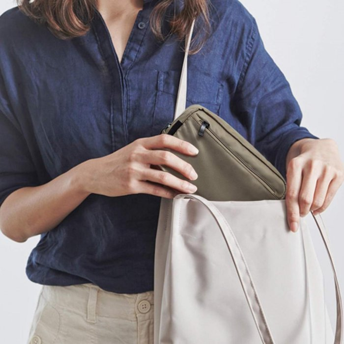 Unisex-nylon-Waterproof-Travel-Cosmetic-Bag-Organizer-COS092-5