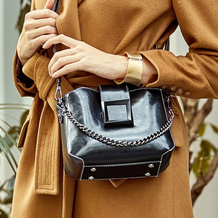 Wholesale-oil-waxed-cowhide-handbag-CHB092-2