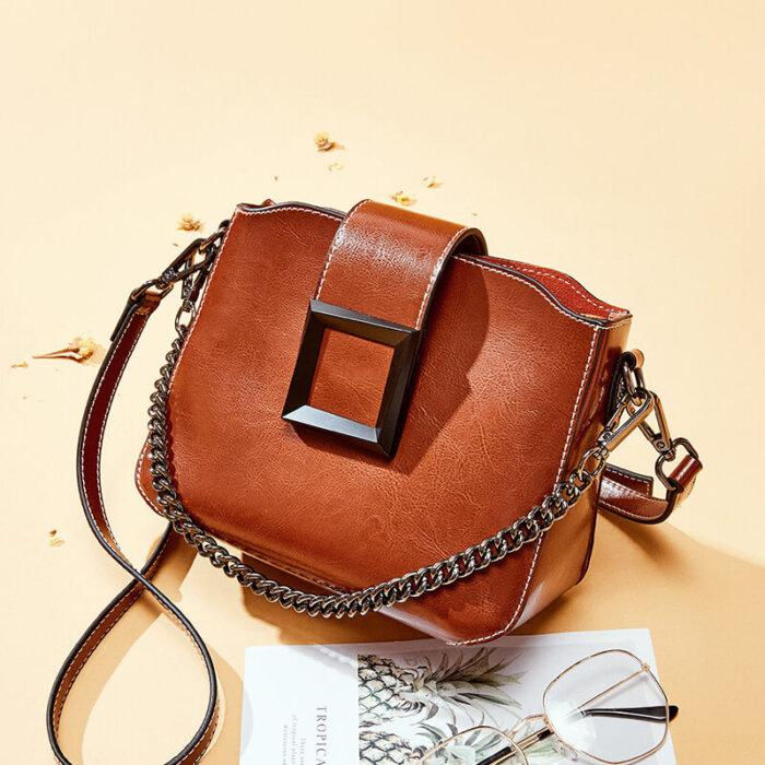 Wholesale-oil-waxed-cowhide-handbag-CHB092-4