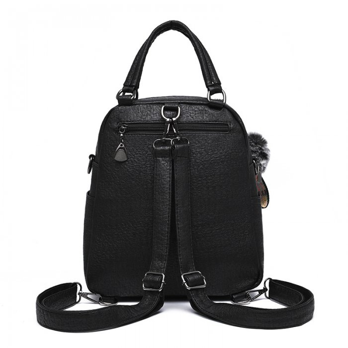 leather-backpack-001-1