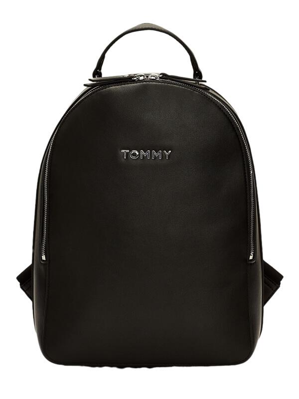 metal-logo-backpack-manufacturer