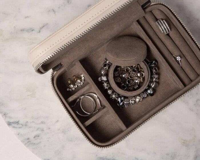 Pu-Leather-Luxury-Square-Jewelry-Storage-Box-JB002-1